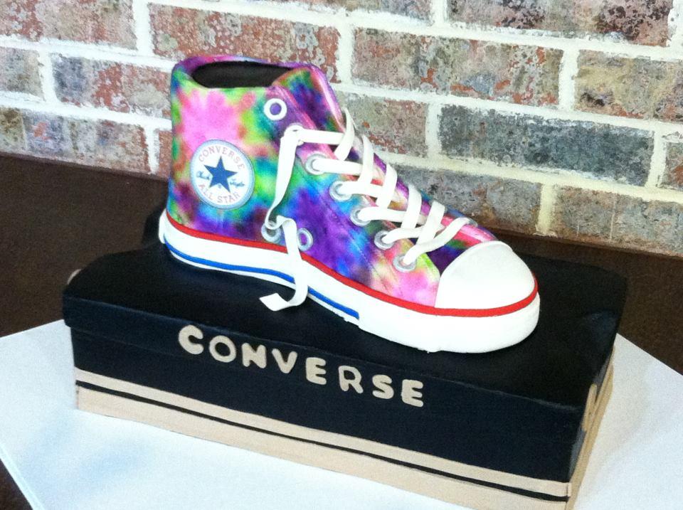 10 Photos of Converse Themed Cakes