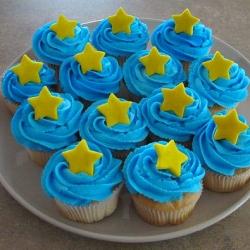 Cupcakes with Fondant Stars