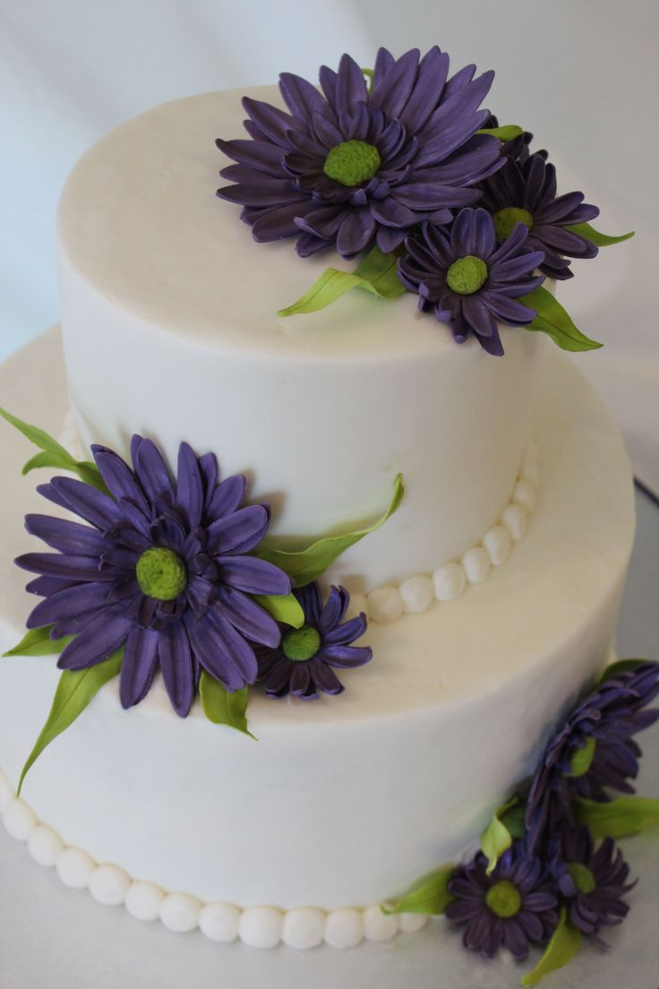 Daisy Wedding Cakes with Flowers