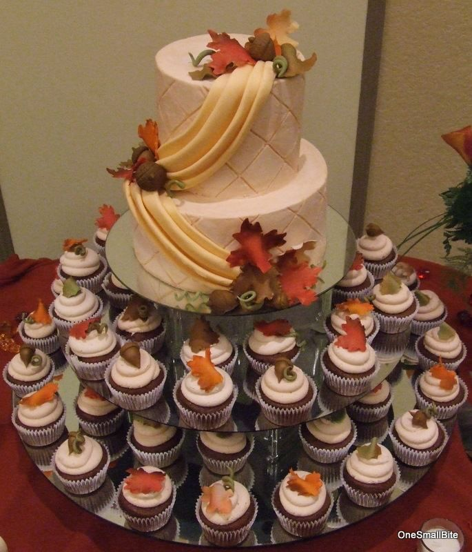11 Photos of Fall Themed Wedding Cake And Cupcakes
