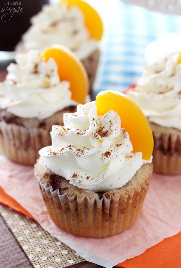 Peach Cobbler Cupcakes