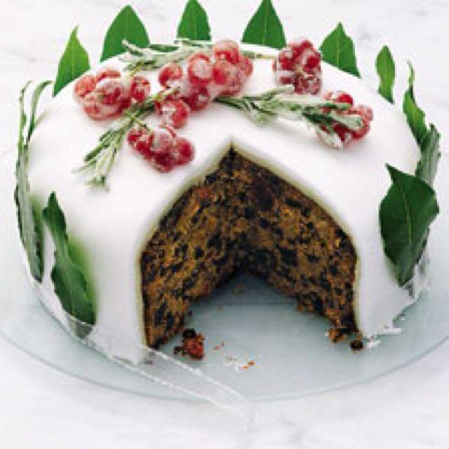 Traditional English Christmas Fruit Cake