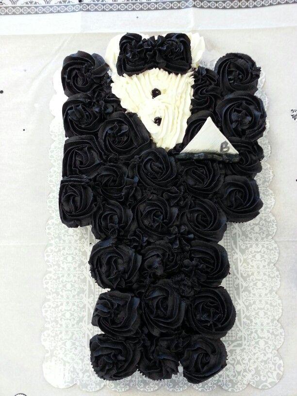 Tuxedo Cupcake Cake