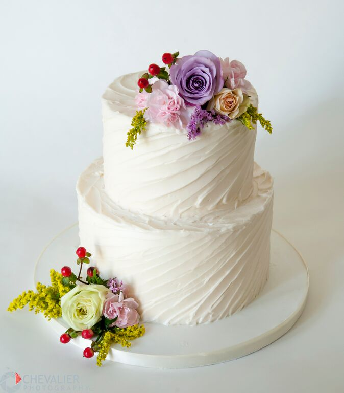 2 Tier Buttercream Wedding Cakes