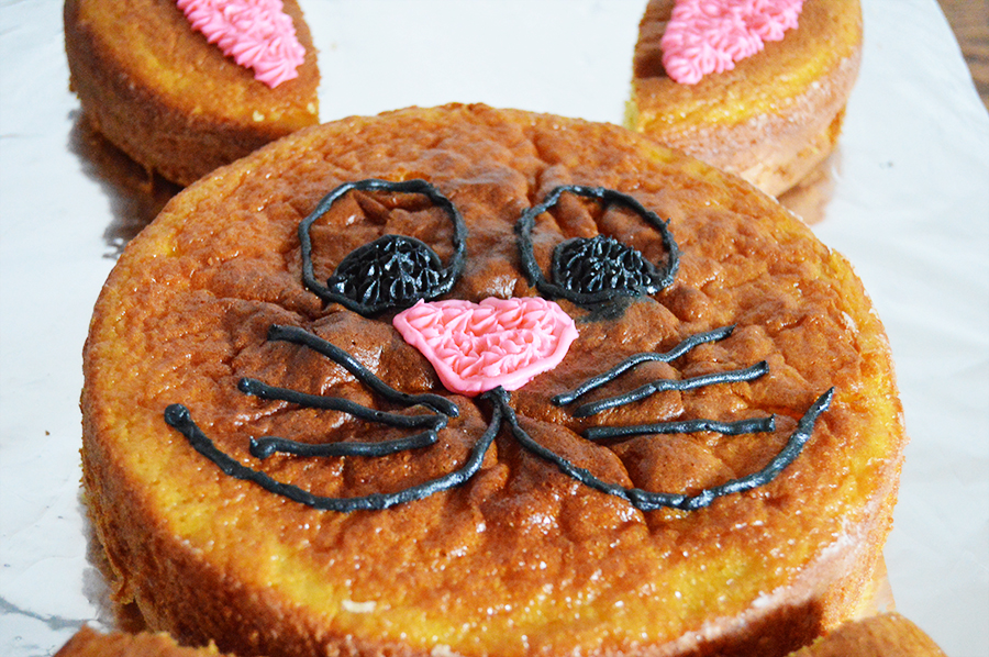 Bunny-Cut-Up-Cake