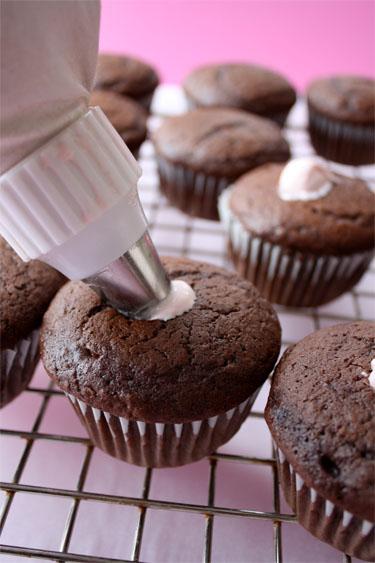 Chocolate Cupcakes with Cream Filling Recipe