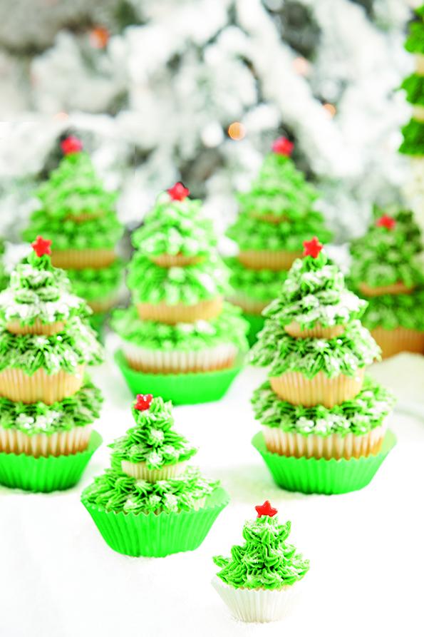 8 Photos of Aunt Christmas Tree Mini Cakes