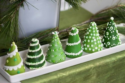 Christmas Tree Mini Cakes