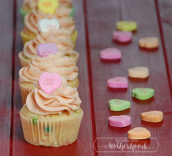 7 Photos of Valentine's Day Conversation Hearts Cupcakes