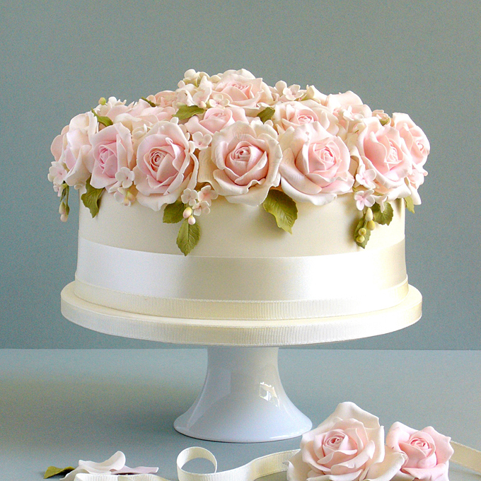 One Tier Wedding Cake with Roses