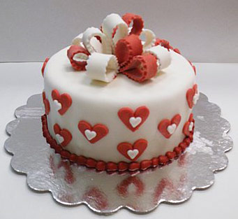 Simple Wedding Cake Hearts
