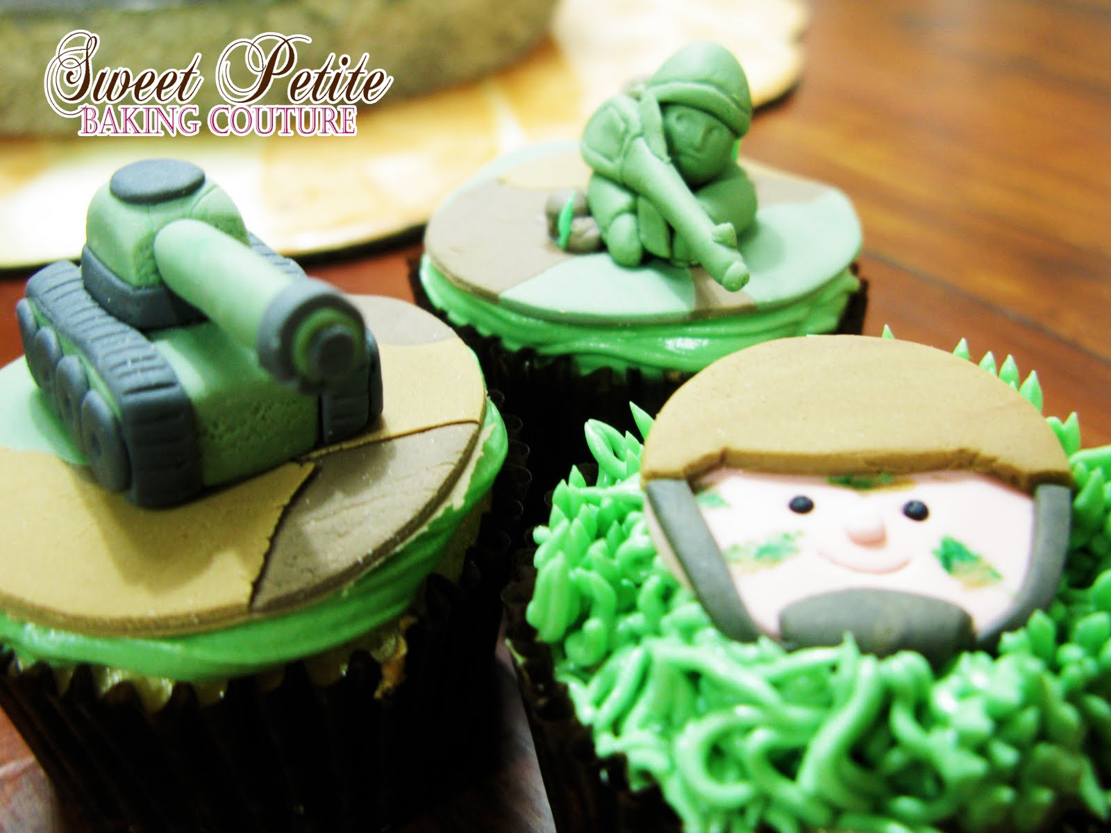 Army Themed Cake Cupcakes