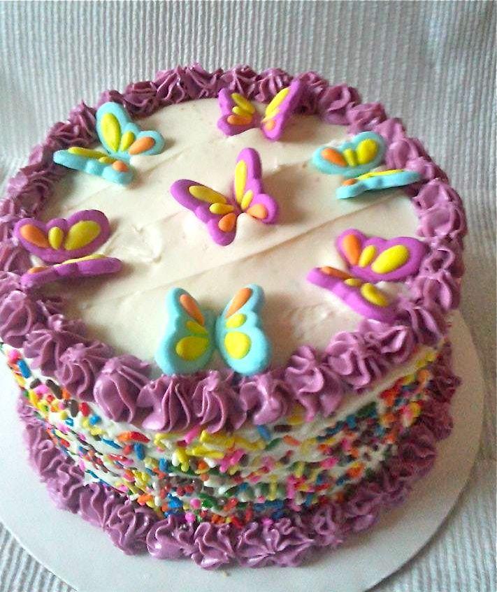 11 Photos of Buttercream Wedding Cakes With Butterflies