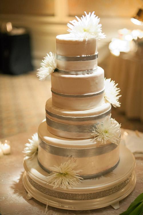 Classic Vintage Wedding Cake