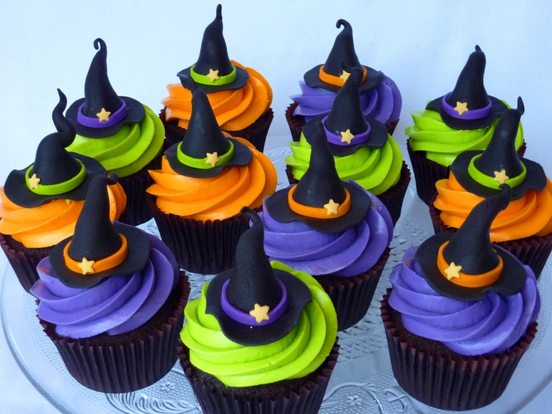 Halloween Witches Hat Cupcakes