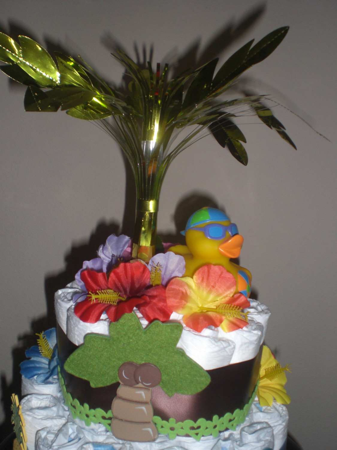 10 Photos of Surfer Diaper Cakes