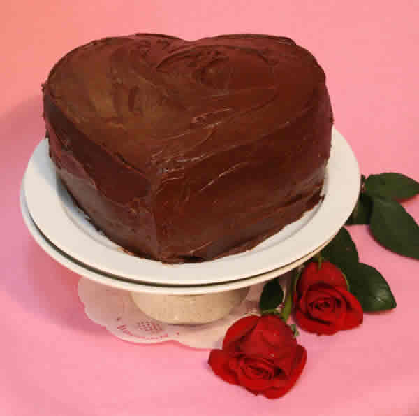 How to Make a Valentine Shaped Cake