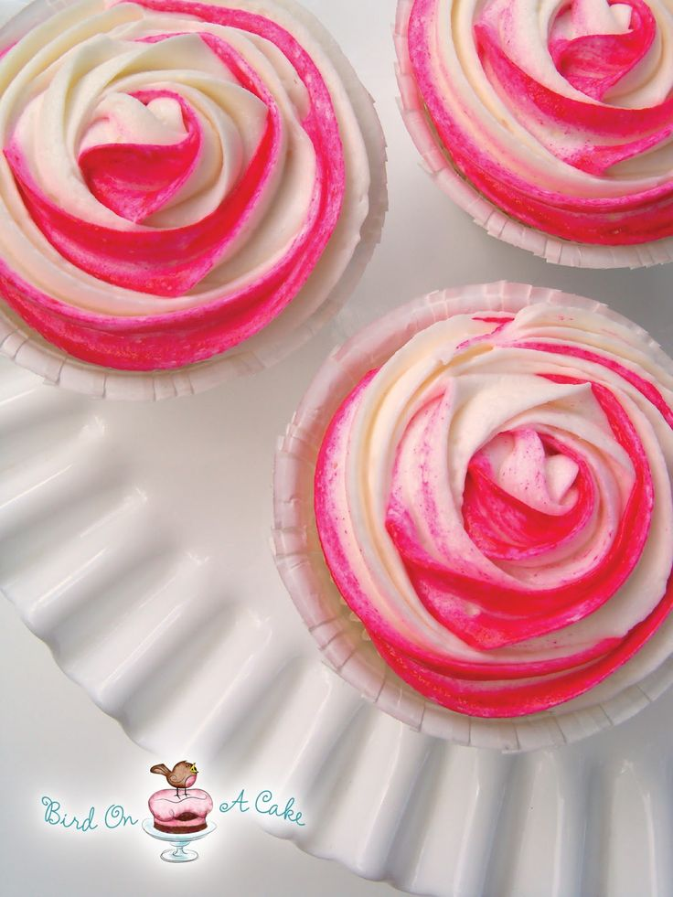 How to Make Rose Cupcakes with Frosting