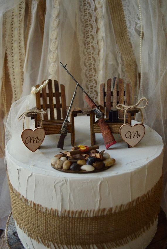 Hunting Grooms Wedding Cake