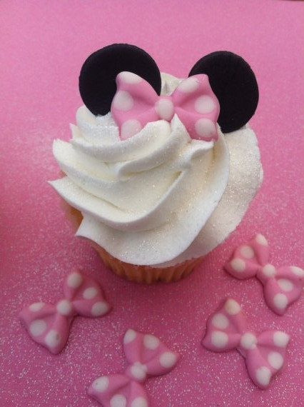 12 Photos of Fondant Bows For Cupcakes