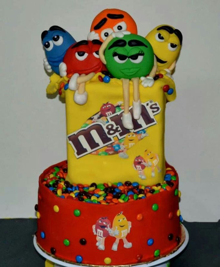 8 Photos of MNM Themed Cakes