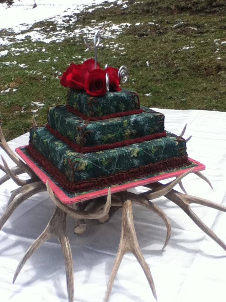Mossy Oak Camo Wedding Cake