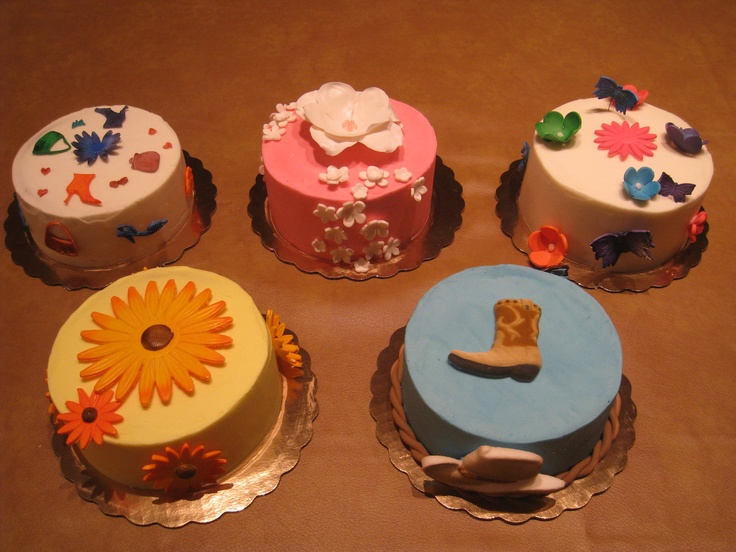 Small Fun Cakes
