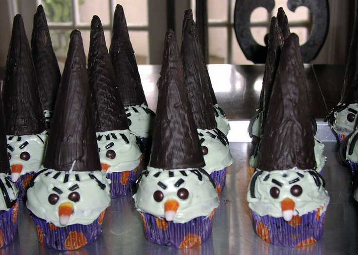 Sugar Cone Witch Hat Cupcakes
