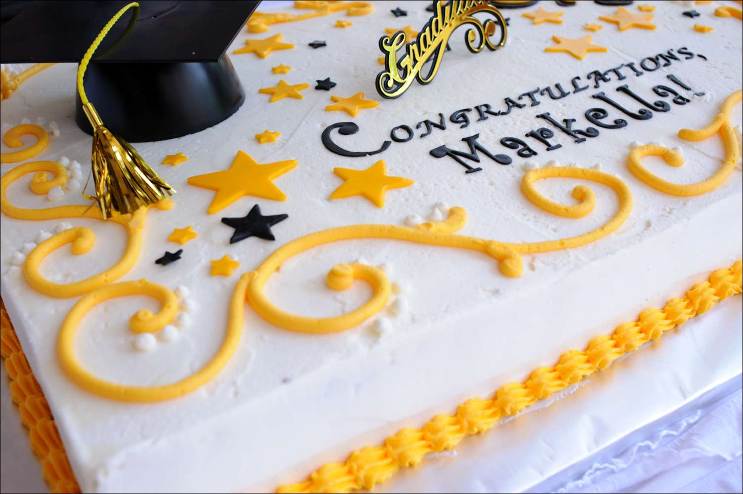 6 Photos of Black And Yellow Graduation Sheet Cakes