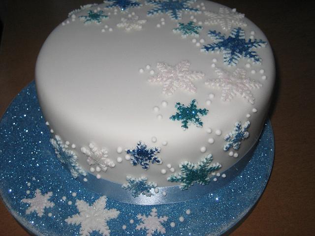 Christmas Cake with Snow Flakes