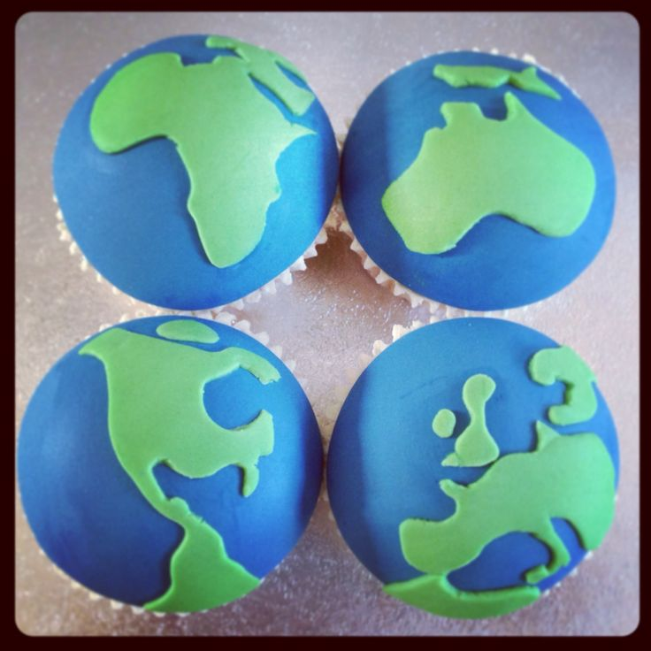 9 Photos of Earth Cupcakes Fondant