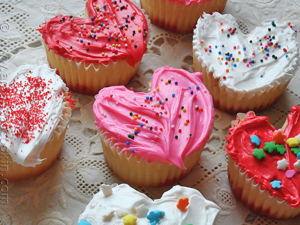 Heart Shaped Valentine Cupcakes