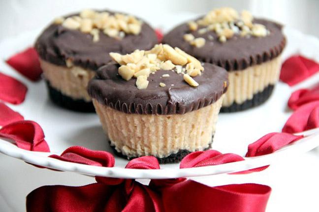 Mini Buckeye Cheesecakes