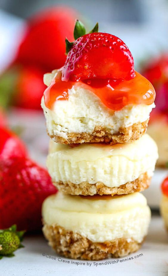 Mini Cheesecakes with Vanilla Wafers