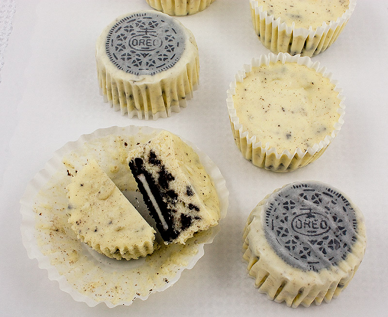 Oreo Cookies and Cream Cheesecake Cupcakes