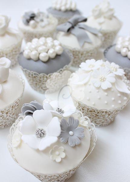 Blue and White Wedding Cake Cupcakes