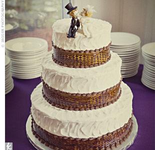 Casual Vintage Wedding Cake