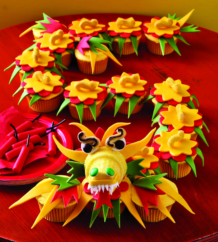 11 Photos of Chinese Dragon Themed Cupcakes