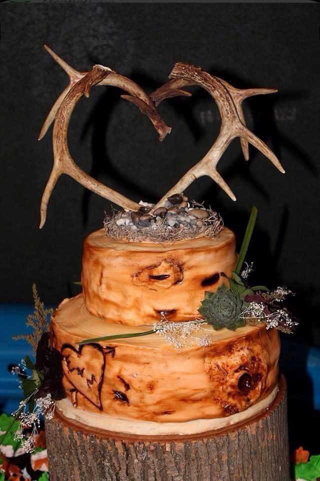 8 Photos of Rustic Wedding Cakes With Deer Antlers