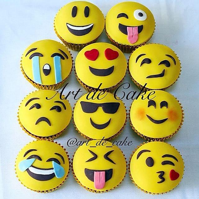 9 Photos of Emoji Chocolate Cupcakes