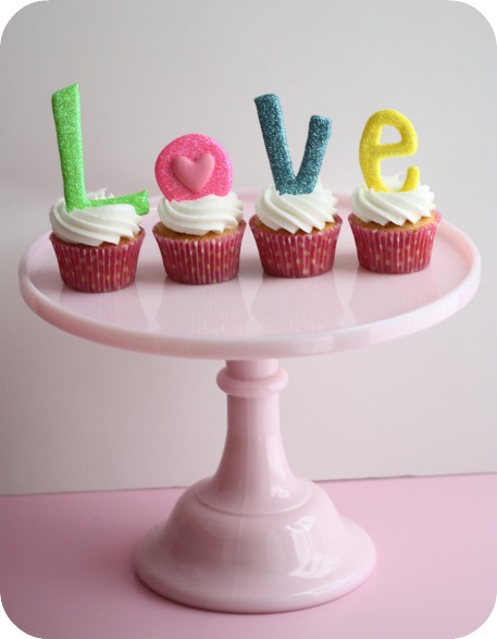 Love Valentine's Cupcakes