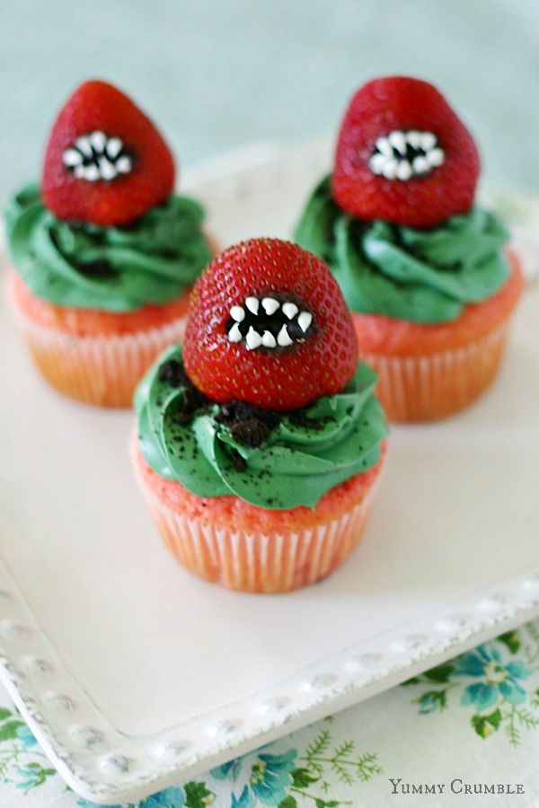 Oreo Cookies Cupcakes and Strawberries