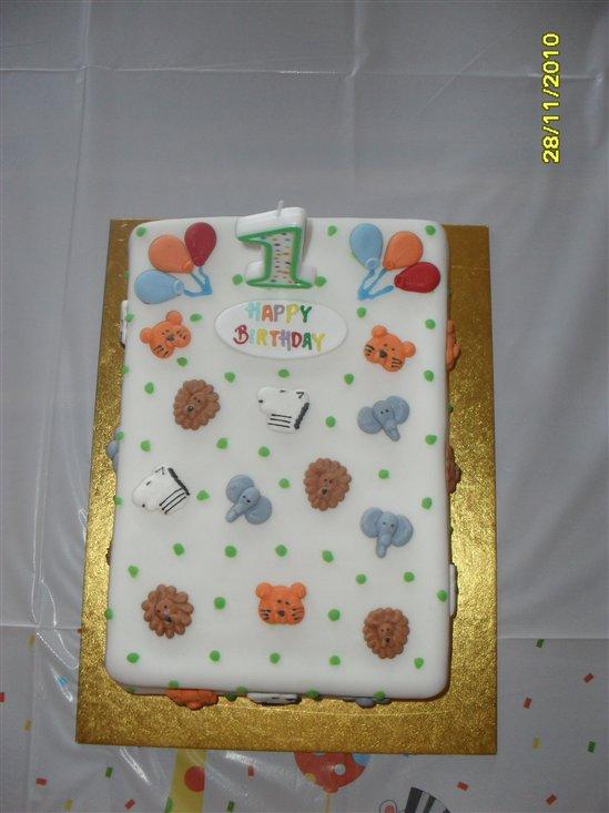 Plain Iced Cake Birthday