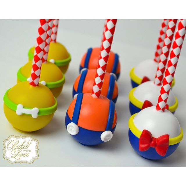 Pluto Mickey Mouse Cake Pops