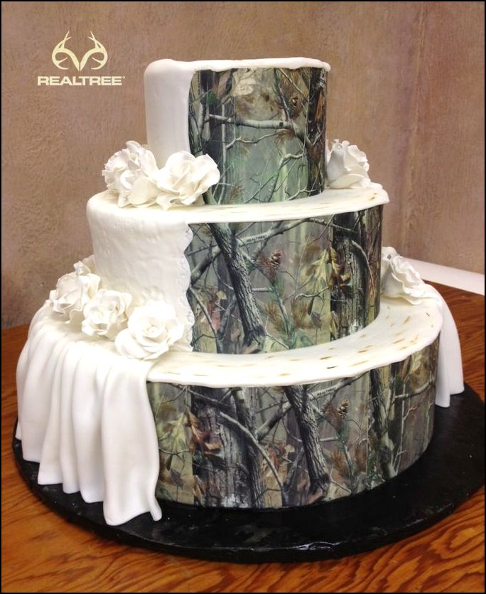 Realtree Camo Wedding Cakes