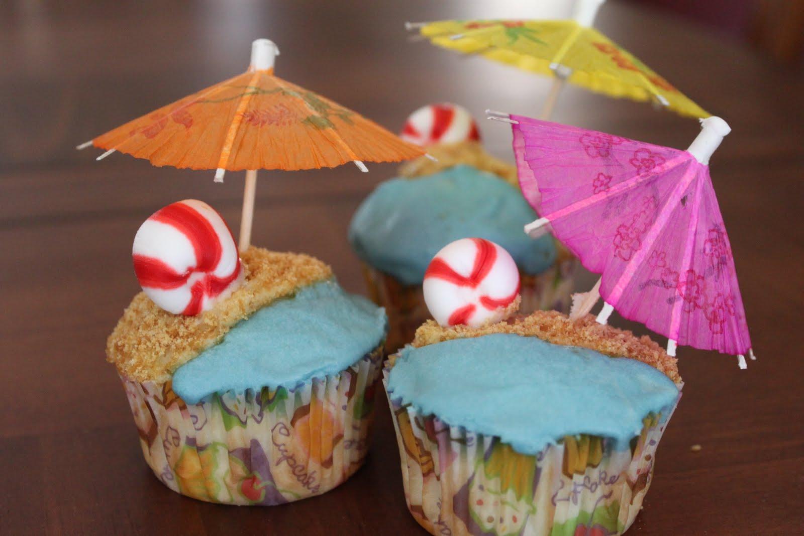 Summer Luau Beach Cupcakes