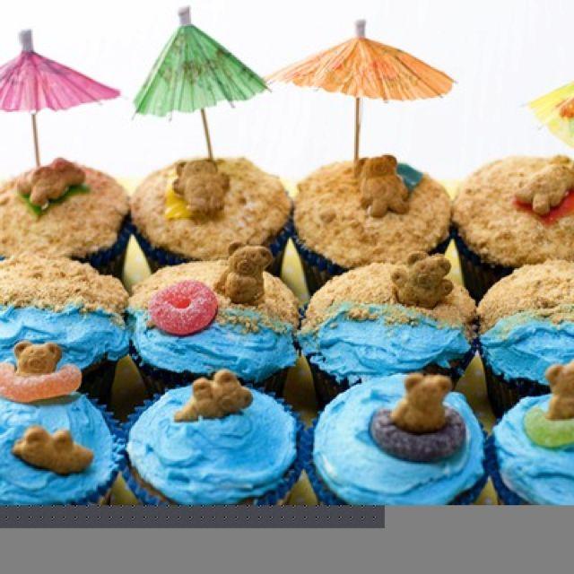 Teddy Graham Beach Cupcakes