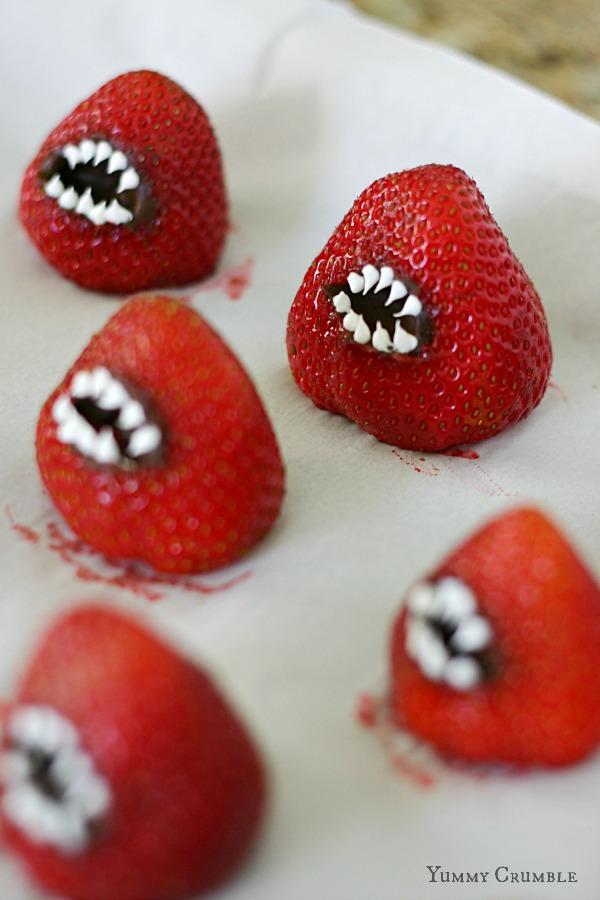 7 Photos of Halloween Strawberry Cupcakes