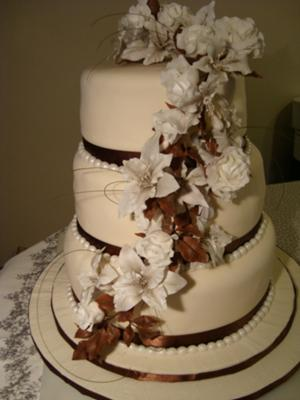 Wedding Cakes with Lilies and Roses