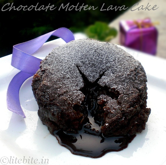 Chocolate Molten Lava Cake Cupcakes